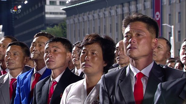 북한 조선중앙TV가 10월10일 오전 0시부터 평양 김일성광장에서 열린 '조선노동당 창건 75주년 기념 열병식'을 녹화 중계방송하고 있다. /조선중앙TV 뉴시스