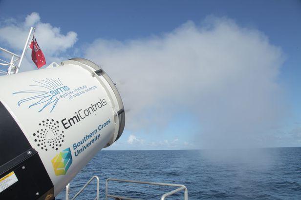 호주 바다에서 구름핵을 분사해 구름을 만든 모습./호주 서든 크로스대