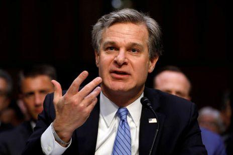 미국 연방의회에서 증언하고 있는 크리스토퍼 레이(Wray) 미국 FBI 국장.