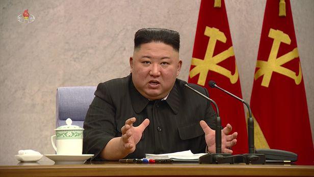 북한 조선중앙TV가 8일부터 11일까지 김정은 당 총비서 주재로 열린 노동당 중앙위원회 전원회의를 12일 보도했다./조선중앙TV